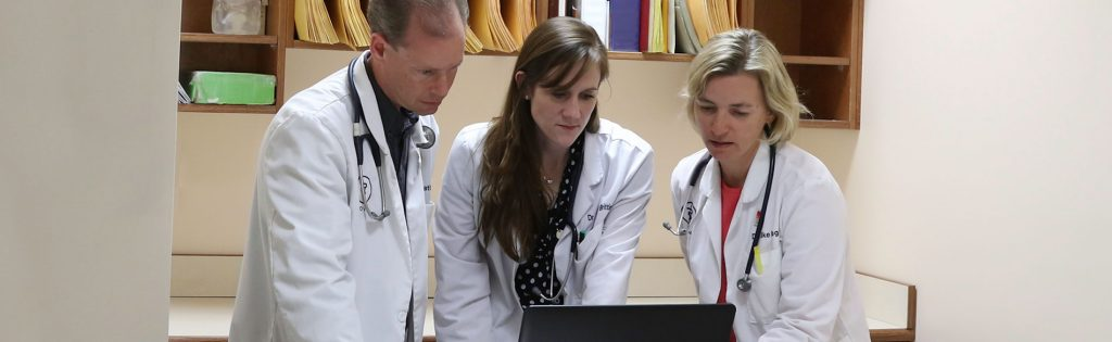 Our veterinarians regularly discuss patient care and case management together.